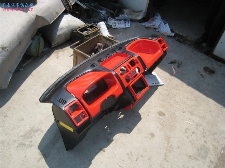 汽车车里面装饰红条椅-红黑内饰及跑车座椅 不是精贴我跳楼高清图片